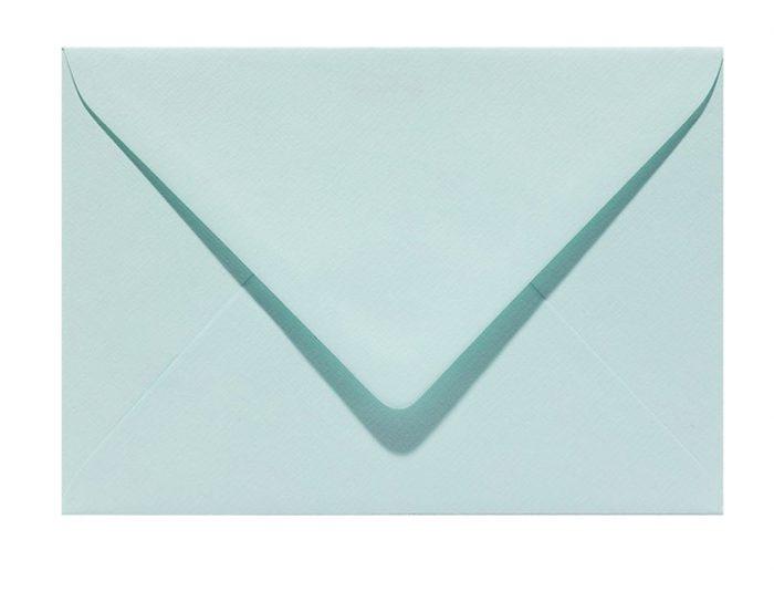 Letters and Lines envelop zeegroen